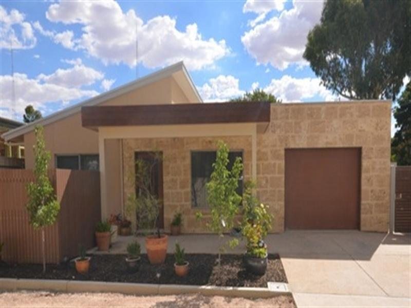 6-William-Street-Clare-SA-5453-Real-Estate-photo-1-large-3021779